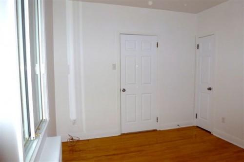 montr al nord. Black Bedroom Furniture Sets. Home Design Ideas