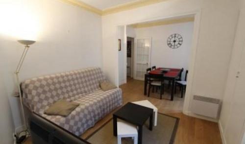 plateau mont royal meubl 2 pi ces en plein centre ville entremontrealais. Black Bedroom Furniture Sets. Home Design Ideas