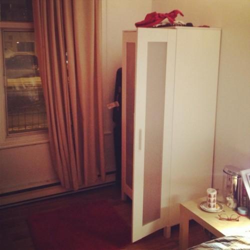 Chambre s sur plateau mont royal entremontrealais for Maxi meuble montreal