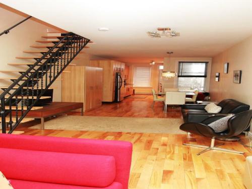 Appartement meubl deux pas du m tro montreal rosemont for Appartement meuble a montreal