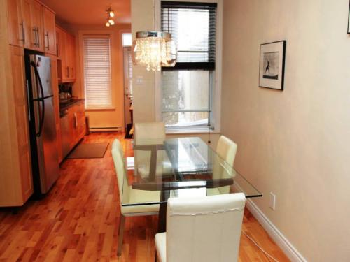 Appartement meubl deux pas du m tro montreal rosemont for Appartement meuble montreal
