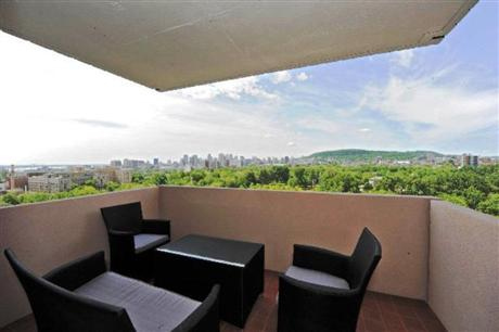Appartement meubl montr al plateau mont royal for Meuble garderie montreal
