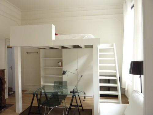 Ville marie studio meubl renov entremontrealais for Studio meuble a montreal