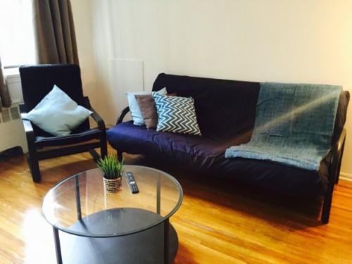 Studio meubl louer en plein coeur du centre ville de for Garde meuble montreal